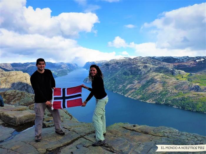 5-Noruega_Preikestolen.JPG