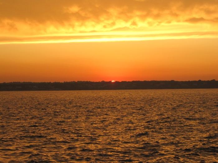2 ¡Cómo resistirse a descubrir nuevos atardeceres! Rhode Island- Jamestown.JPG