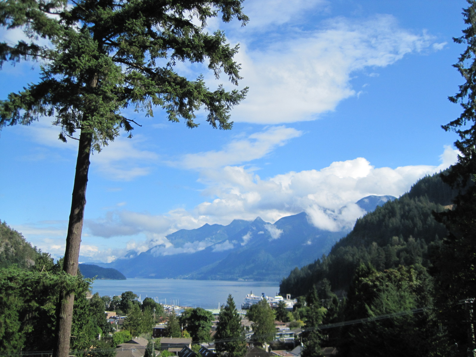 5 Vista de nuestra casa de intercambio en Horseshoe Bay, Vancouver, Canadá.JPG