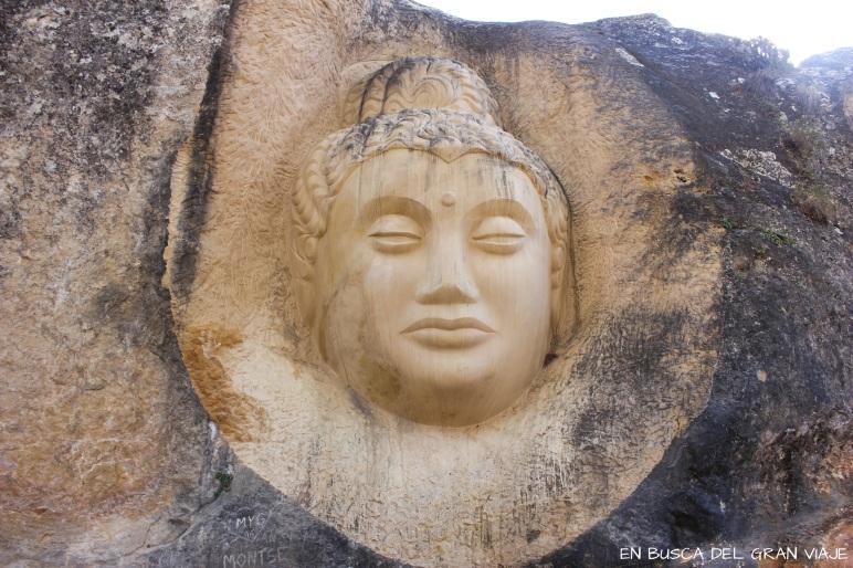 Una de las esculturas de la ruta de las caras
