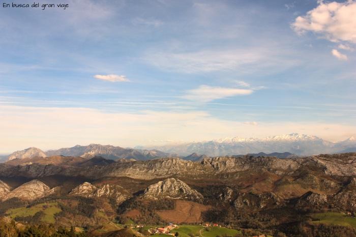 Las montañas vistas desde la Mirador d