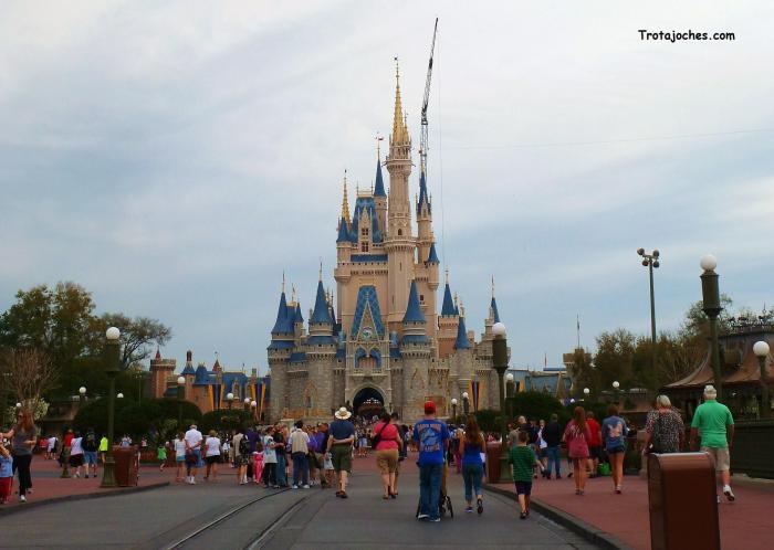 La entrada y el castillo del Walt Disney World Orlando