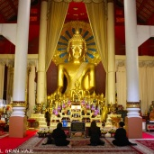 Buda dorado del Templo Wat Phra Singh Woramahawilan