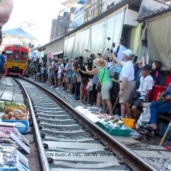 Mercado de las vías del tren