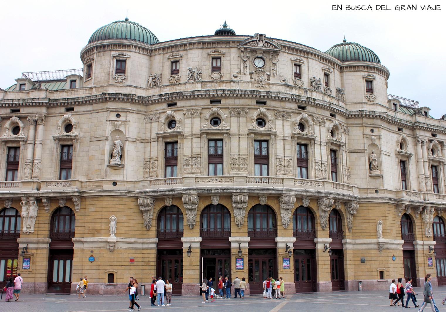 La fachada del teatro Arriaga