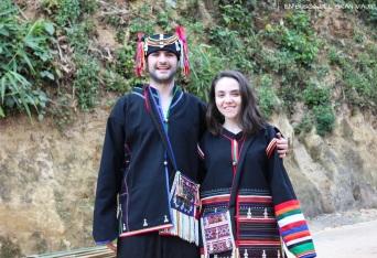 José y yo vestidos con los trajes típicos